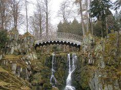 Eigene Bildbeschreibung hinzufügen (falls gewünscht) ...  Teufelsbrücke In Kassel, Germany