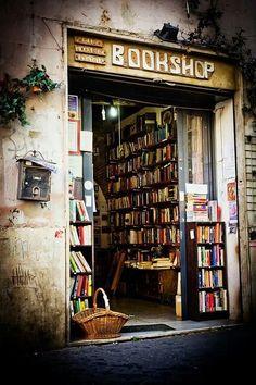 10 citas sobre librerías. http://www.eraseunavezqueseera.com/2014/11/26/10-citas-sobre-librerias/ #DíaDeLaLibrería.