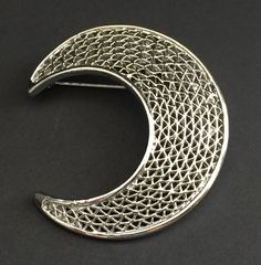 Vintage Sarah Coventry Large SilverTone Filigree Crescent Moon Brooch Pin Signed #SarahCoventry