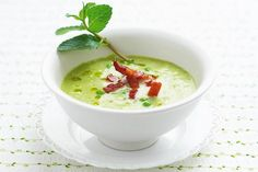 Hráškovo-špenátová polievka Modern Food, Cheeseburger Chowder, Pudding, Vegetarian, Desserts, Recipes, Soups, Marketing, Tailgate Desserts