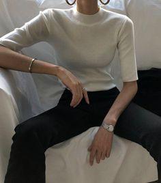 41 ideas for fashion minimalist wardrobe capsule 1 Look Fashion, Korean Fashion, Autumn Fashion, Classy Outfits, Chic Outfits, Fashion Outfits, Minimalist Wardrobe, Minimalist Fashion, Estilo Gigi Hadid