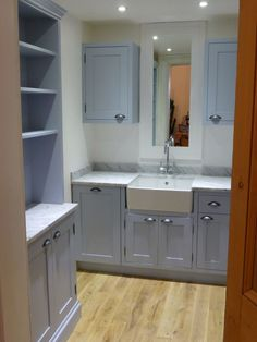 Modern Country Style: Farrow and Ball Parma Gray: Colour Study Click through for details. Grey Kitchen Cabinets, Kitchen Cabinet Colors, Painting Kitchen Cabinets, Kitchen Paint, Kitchen Redo, Kitchen Ideas, Kitchen Larder, Kitchen Worktops, Cupboards