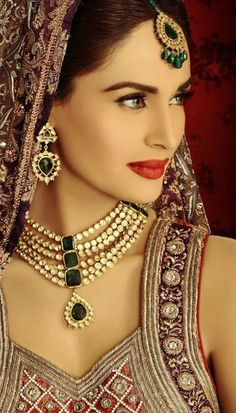 Lajwanti Latest Bridal Wear 2012 & Kundan Jewellery k Indian Wedding Jewelry, Wedding Jewelry Sets, Bridal Jewelry, Indian Jewelry, Gold Jewelry, Wedding Accessories, Accessories Jewellery, Antique Jewellery, Jewellery Designs