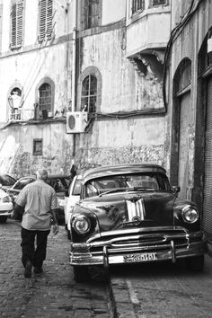damascus_old car_vintage_black and white