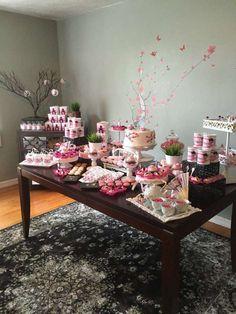 Tema super diferente para aniversário de menina. Japanese Cherry Blossom girl birthday party | CatchMyParty.com