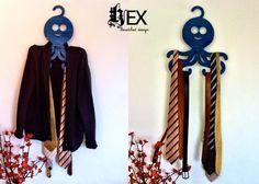 Hex : Gancho Pulpo (ropa, joyeria, cinturones, corbatas) - Kichink! Hangers, Clothes Hanger, Design, Style, Fashion, Ties, Clothing, Octopus, Crocheting