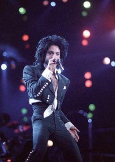 """""""Ele me chamou para dançar"""", diz Monique Evans sobre encontro com Prince #Apresentadora, #Brasil, #Cantor, #Famosos, #Globo, #Instagram, #Ipanema, #M, #Modelo, #MoniqueEvans, #Morre, #Morte, #Noticias, #Playboy, #Pop, #Popzone, #Rock, #RockInRio, #Show http://popzone.tv/2016/04/ele-me-chamou-para-dancar-diz-monique-evans-sobre-encontro-com-prince.html"""