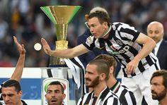 3:1-Kür gegen Napoli: So feiern Lichtsteiner und Juve das Double! | Blick