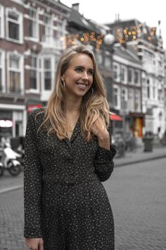 She just did it: interview met female entrepreneurs - Pretty Ambitious Just Do It, Business Tips, Entrepreneur, Interview, Dresses With Sleeves, Female, Long Sleeve, Pretty, Fashion