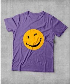 Camiseta Smile Safado  R$39,90 Malha de alta qualidade, 100% Algodão Estampa em Silk Digital: a mais moderna técnica de estamparia do mundo O resultado gráfico das imagens é perfeito, fotografias saem fiéis ao original. Não há maior durabilidade em estamparia!