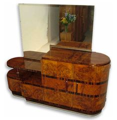 1930's Italian Art Decó sideboard with mirror