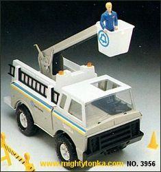 1980 Tonka Toys Mighty Tonka Trucks Tonka Trucks, Tonka Toys, Childhood Toys, Childhood Memories, Antique Toys, Vintage Toys, Mitsubishi Rosa, Weird Toys, Old School Toys