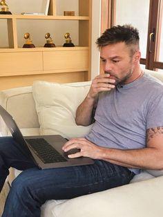 (1) Ricky Martin (@ricky_martin) | Twitter