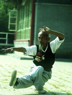 "‪Natural Aging‬  ‪The Neijing recognizes that, for everyone, ""the processes of the body follow certain natural rules and that health and disease are influenced by natural aging processes, as well as the environment.‬  ‪‬   ‪#tao #taichi #zen #meditation #yoga ‬"