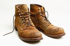 Some Heritage boots are made with water resistant roughout leathers- Mohave and Muleskinner—both of which provide enhanced water and stain resistance. Since the top grain of the leather is not. Red Wing Boots, White Boots, Your Shoes, Men's Shoes, Wing Shoes, Red Wing 8113, Red Wing Iron Ranger, Mens Boots Fashion, Style Retro