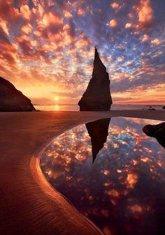 ~ beautiful mother nature is Wizards Hat, Bandon Oregon ~ https://www.facebook.com/photo.php?fbid=438184056218553=a.169369393100022.28308.115599335143695=1