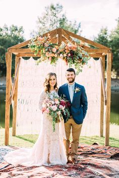 floral inspired treehouse wedding - photo by Cara Robbins Photography http://ruffledblog.com/floral-inspired-treehouse-wedding
