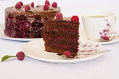 A little bit of coffee, lots of chocolate, wonderful raspberries. Raspberry Cake, Chocolate Coffee, Something Sweet, Coffee Cake, Sweet Tooth, Cheesecake, Sweets, Desserts, Blog
