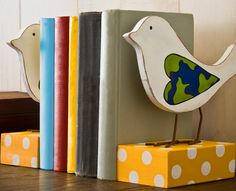 Cute bird bookends made with soy paint - great earth day craft!