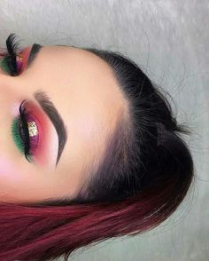 Beautiful makeup requires the perfect make-up foundation. Foundation creates a blank canvas on the face to which colors is added: eye shadow, blush & lipstick. Makeup On Fleek, Glam Makeup, Pretty Makeup, Love Makeup, Diy Makeup, Makeup Inspo, Makeup Art, Makeup Inspiration, Makeup Tips
