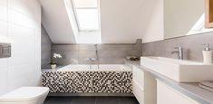 shiplap bathroom 10 auspicious tricks: redesigning the old bathroom Farmhouse style bathroom rede. Simple Bathroom, Modern Bathroom, Master Bathroom, Hall Bathroom, Neutral Bathroom, Attic Bathroom, Joanna Gaines, Bathroom Assessories, Beautiful Small Bathrooms