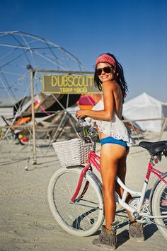 Nobody is really shy at #BurningMan. from #treyratcliff at http://www.StuckInCustoms.com - all images Creative Commons Noncommercial
