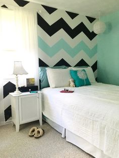 15 Awesome Striped Painted Wall Design and Decorating Ideas to Make Your Home More Amazing – Design & Decorating Painting Stripes On Walls, Room Wall Painting, Paint Stripes, Diy Painting, Bedroom Wall Designs, Bedroom Decor, Boys Bedroom Paint, Striped Walls, New Room