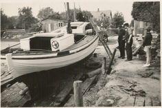 KAREN ved slæbestedet i Kalvehave havn. Hun er nu med motor. Motoren, en 5 IHK DAN, blev ifølge tilsynsbogen indsat i 1926. Foto fra Karens arkiv. En kopi er blevet taget af Langebæk Lokalhistoriske Arkiv.