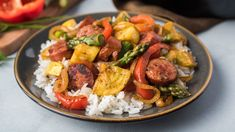 This weeknight-friendly skillet couldn't be any easier! Cajun Flavor Cubes bring all the bold NOLA taste to sausage and veggies served over your favorite rice or pasta. Apple Chicken, Chicken Stir Fry, Main Dishes, Side Dishes, Cajun Sausage, Pumpkin Vegetable, Spice Set, Sweet Potato Hash, Jambalaya