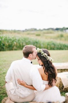 Such a gorgeous photo: http://www.stylemepretty.com/minnesota-weddings/2015/06/15/romantic-minnesota-barn-wedding/ | Photography: Kate Becker - http://www.katebeckerphotography.com/