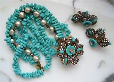 VINTAGE MIRIAM HASKELL SIGNED pearl turquoise BRACELET and clip on EARRINGS SET