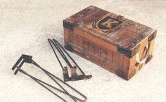 Vintage box logo v2