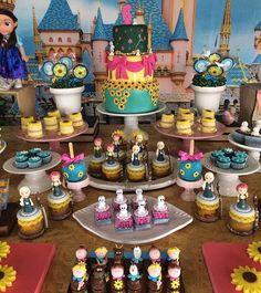 Decor mais fofa para o tema Frozen by @julia.albuquerque.decor ! #Loucaporfestas #frozenparty #decor #festa #party