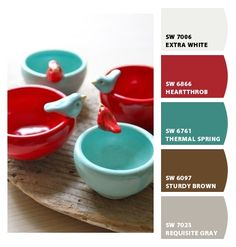 birds, bowls, aqua & red - these are a few of my favorite home design decorating room design Red And Teal, Red Turquoise, Brown And Grey, Turquoise Cottage, Super Bol, Cocinas Kitchen, Ceramic Pottery, Pottery Bowls, Ceramic Bowls
