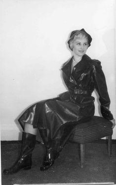 Wellies Rain Boots, Rubber Raincoats, Macs, Rain Wear, Black Rubber, Girl Photos, Vintage Black, Vintage Photos, Women Wear