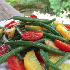 Green Bean Salad with Fingerling Potatoes, Yellow Zucchini & Cherry Tomatoes Green Bean Salads, Green Beans, Yellow Zucchini, Fingerling Potatoes, Cherry Tomatoes, Vegetables, Food, Meal, Eten