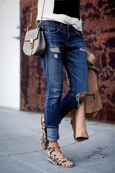 Effortlessly chic look for a casual and mild summer day - distressed skinnies + sandals!