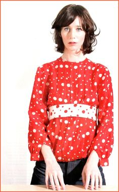Miranda July is one of my favorite artists and writers–she's just got that something you can't put your finger on, that quality that makes you feel as though this complete strange… Miranda July, People Of Interest, Punk Rock, Preppy, Times, Fun, How To Wear, Color, Fashion