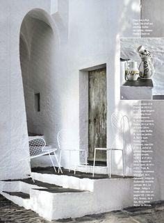 Côté Sud http://aucoindumonde.com/decoration-interieur/2011/07/22/stylisme-pour-cote-sud-n%C2%B0130-un-style-tres-cadaques/, # Dali, # Mondomio