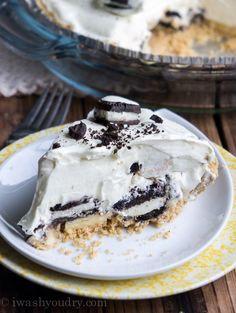 No Bake Banana Oreo Cream Pie Recipe ~ easy and delicious Best Cake for you No Bake Desserts, Easy Desserts, Delicious Desserts, Dessert Recipes, Yummy Food, Oreo Desserts, Dessert Ideas, Pudding Desserts, Cheesecake Recipes