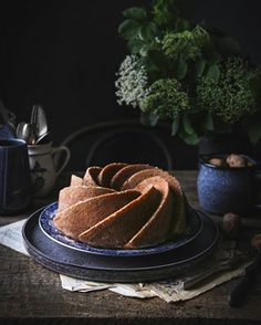 Banánový cheesecake so slaným karamelom | The Story of a Cake Oreos, Winter Wonderland, Cheesecake, Desserts, Food, Tailgate Desserts, Deserts, Cheesecakes, Essen