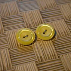2018-02-06 Bright #yellow flat #buttons! #vintage #thrifting