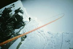 """Anatoli Boukreev nearing """"The Hillary Step"""". Rope held out by steady wind over knife edge ridge on Mount Everest, Tibet. Alpine Climbing, Mountain Climbing, Monte Everest, Climbing Everest, Travel Nepal, Everest Base Camp Trek, The Mountains Are Calling, Stairway To Heaven, Top Of The World"""