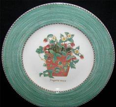 Wedgwood SARAH'S GARDEN Salad Plate Queen's Ware Strawberries in Terracotta Pot MINT $24.99 Sarah's Garden, Terracotta Pots, Salad Plates, Wedgwood, Fine China, Strawberries, Dinnerware, Queens, Decorative Plates