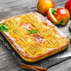 Einfacher versunkener Low Carb Apfelkuchen