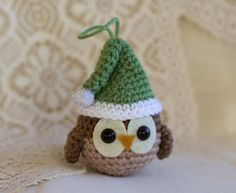 Christmas Owl Ornament Pattern - Christmas Owl Ornament Pattern – Miss Dolkapots Krafties Crochet Ornament Patterns, Crochet Ornaments, Christmas Crochet Patterns, Holiday Crochet, Crochet Patterns Amigurumi, Crochet Crafts, Crochet Projects, Crochet Snowflakes, Knitted Christmas Decorations