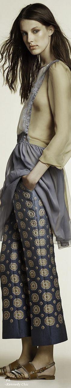 Alberta Ferretti Resort 16: 2 toned blouse, patterned pants, sandals.