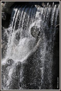Torino, fontana dei 12 mesi... #torino #magica #magia