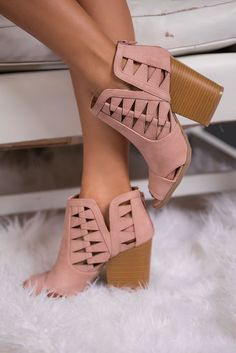 7fe1df7461041a 86 Best Omg shoes images in 2019