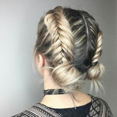 French braid hairstyles are very trendy and fashionable. In different hairstyles, it is best to choose a hairstyle suitable for hair texture and length. French braid hairstyles are also the eternal classic hairstyle, Pretty Braided Hairstyles, French Braid Hairstyles, Chic Hairstyles, Hairstyles Haircuts, Medium Hairstyles, Hairdos, Simple Hairstyles, Beautiful Hairstyles, Summer Hairstyles
